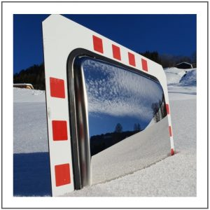Anti-Frost traffic mirror