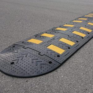 Umirjevalec prometa, višine 4,5 cm, sredinska plošča